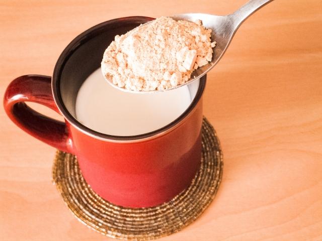 バストアップ 牛乳 豆乳